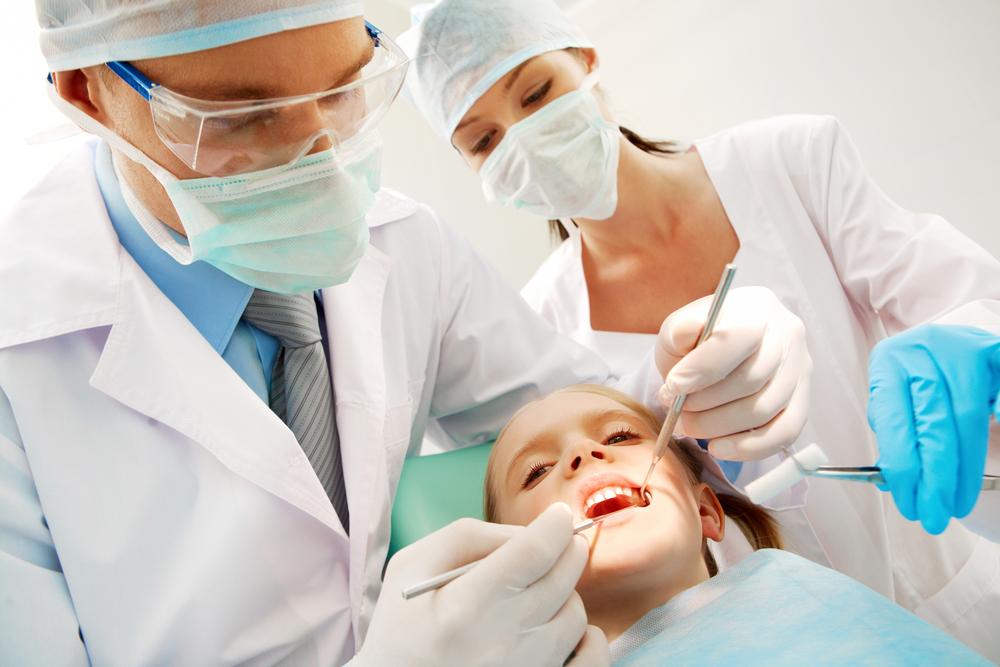 Czyszczenie kanału z zastosowaniem aktywacji ultradźwiękowej – przełom w endodoncji?