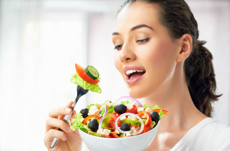 9 produktów, które rujnują zdrowie zębów