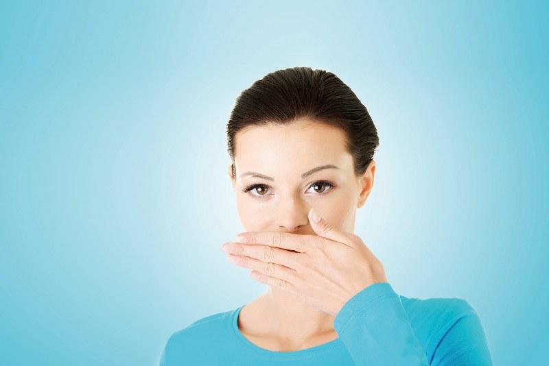 Przyczyny i metody leczenia halitozy